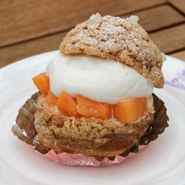 Melon Crispy Cream Puff